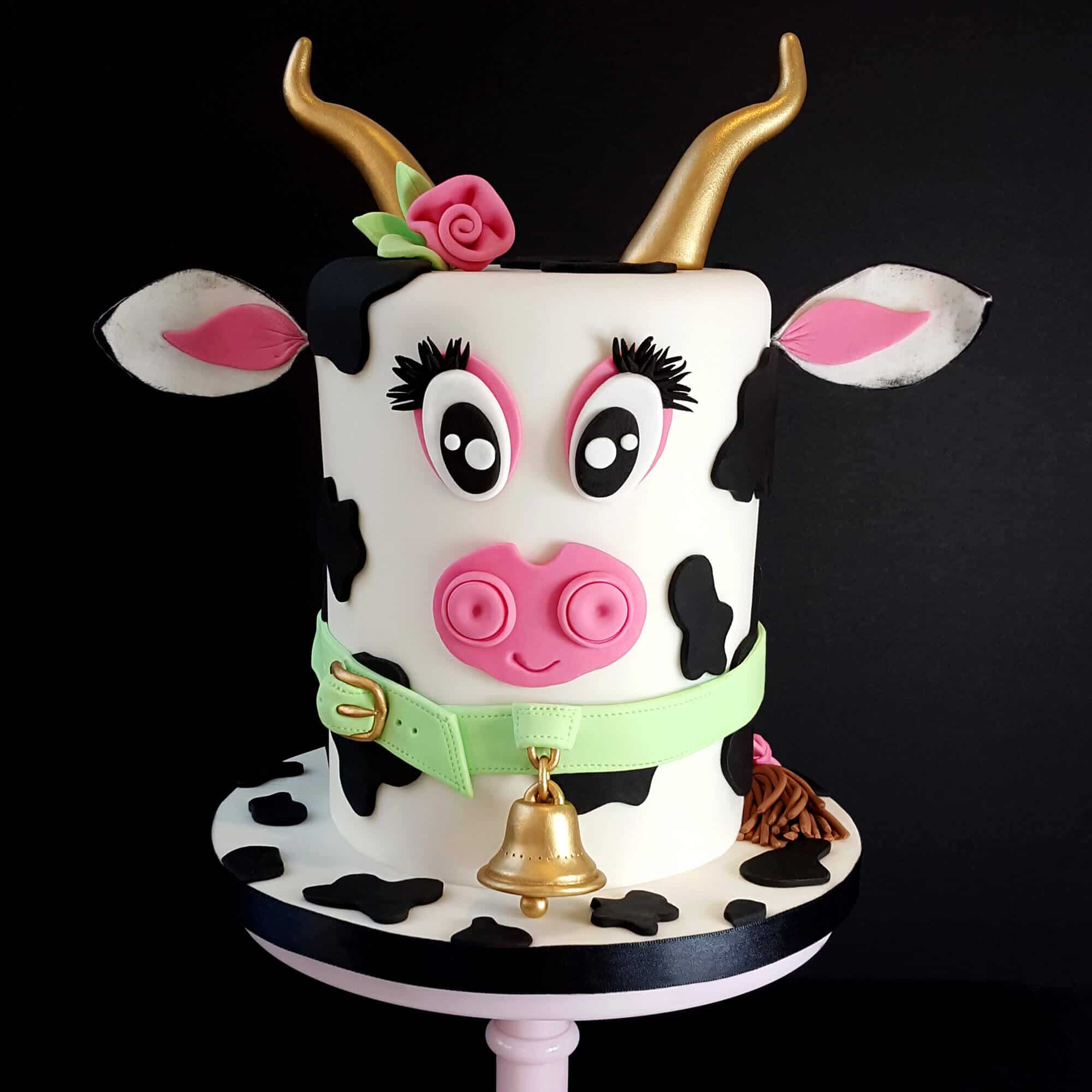 Bespoke cow design cake by Cake No Mistake